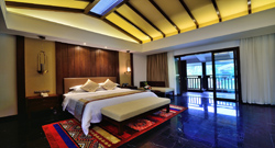 Watery Villa Deluxe King Size Bed Room